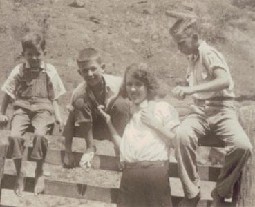 Old black & white photo